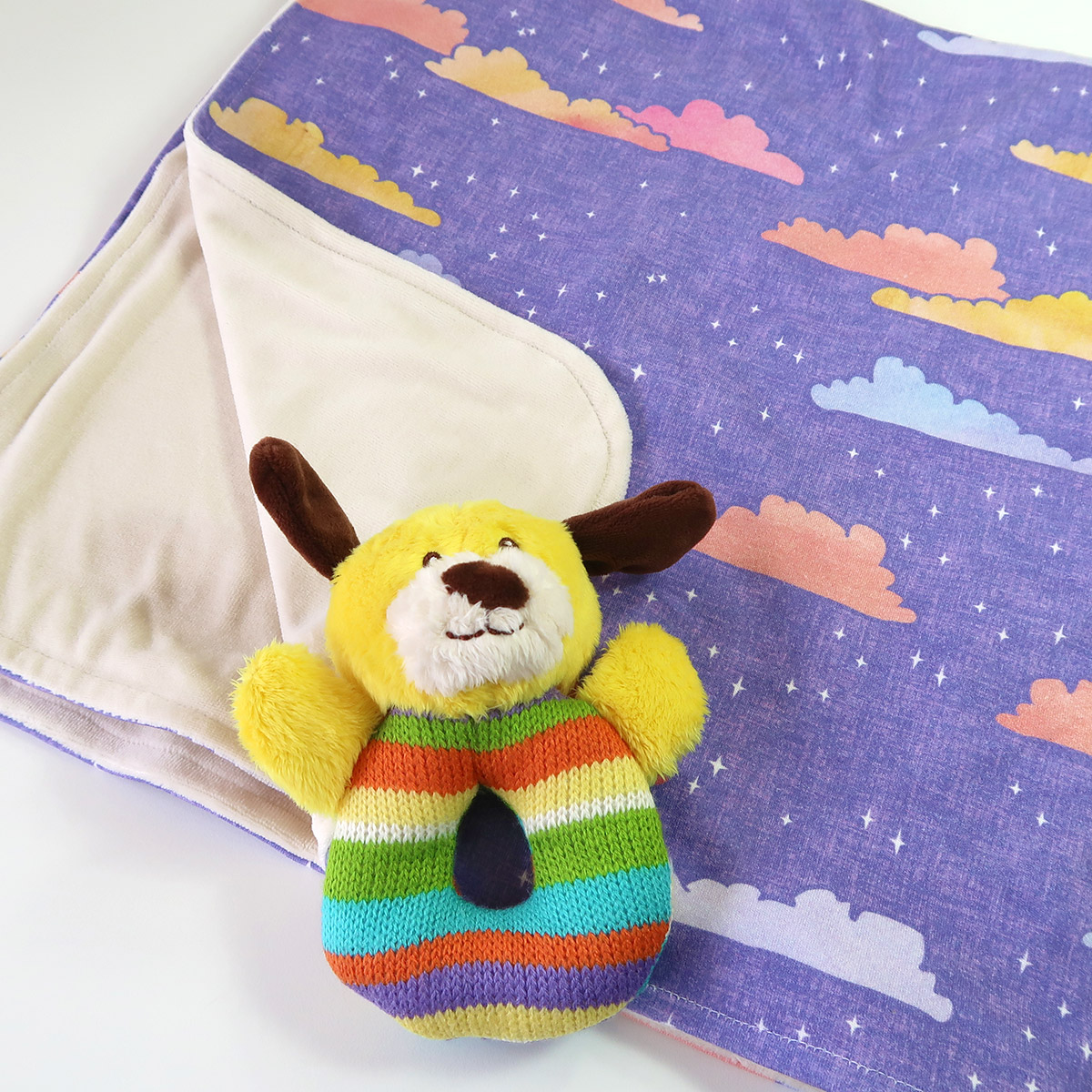 Quick to make baby blanket with cloud design