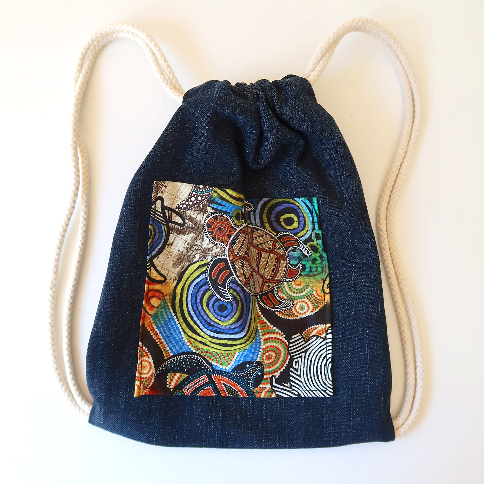 Drawstring bag for a toddler